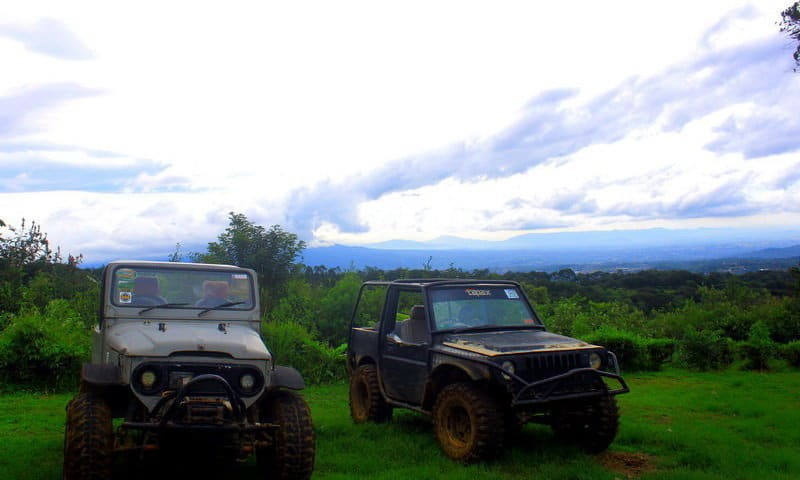 jeep offroad di puncak bogor