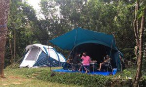camping keluarga di puncak