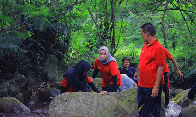 hiking dan treking di sentul bogor puncak