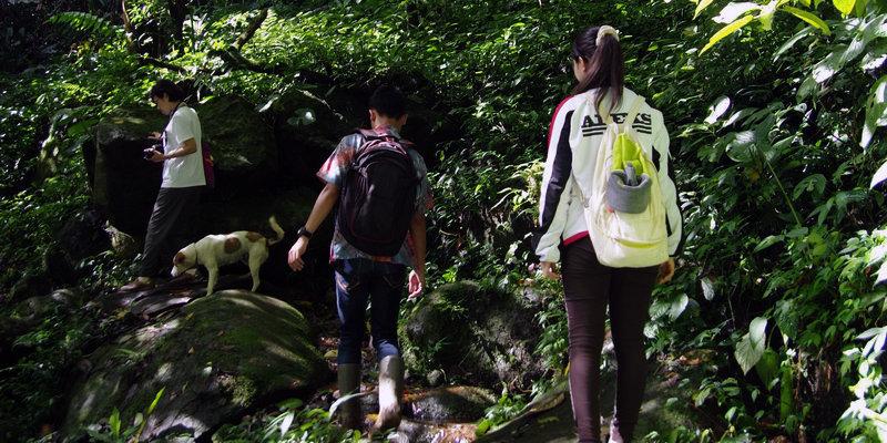 hiking treking sentul puncak bogor