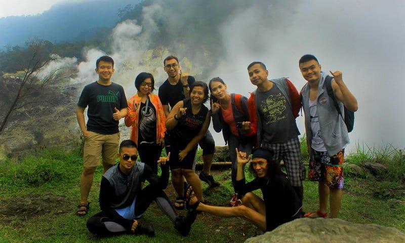 hiking kawah ratu gunung salak