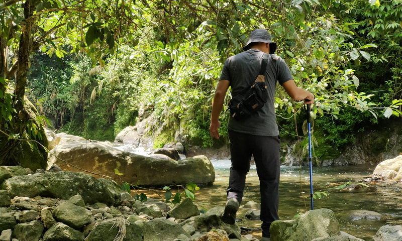 river trekking di puncak bogor